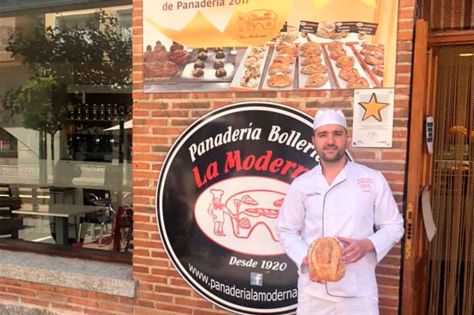 Toñin-Despacho principal-Panadería La Moderna